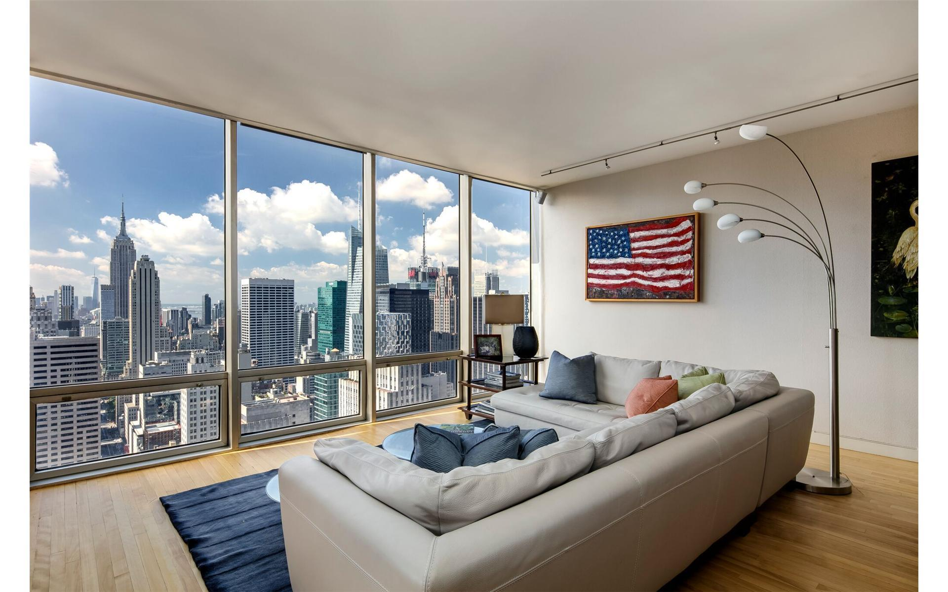 641 Fifth Avenue Interior Photo